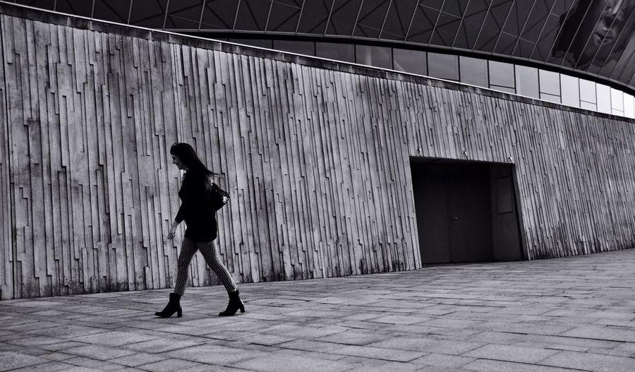 Blackandwhite Streetphoto_bw Architecture Girl Streetphotography Liverpool Texture Love