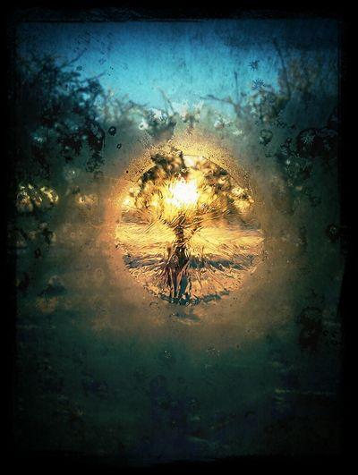 I made a peekhole into the sun;) Sun Ice Winter Window Frosty Peekaboo Peekhole Eye To The Sun
