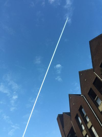 Sky Vapor Trail Low Angle View Built Structure Contrail No People Building Exterior Architecture Cloud - Sky Outdoors Day Nature The Sky Is The Limit Up In The Sky