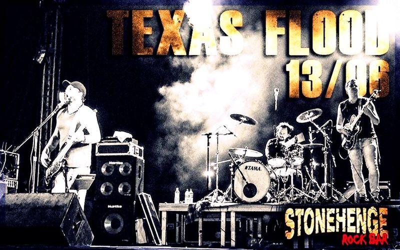 Bora pro Stonehenge, que logo mais tem Texas Flood estoporando a tampa da moringa!!! Vamoquevamo Boraquebrartudo Rock'n'Roll Rocknblues Texasflood Stonehenge Good Vibes Let'sFun Let'sRock