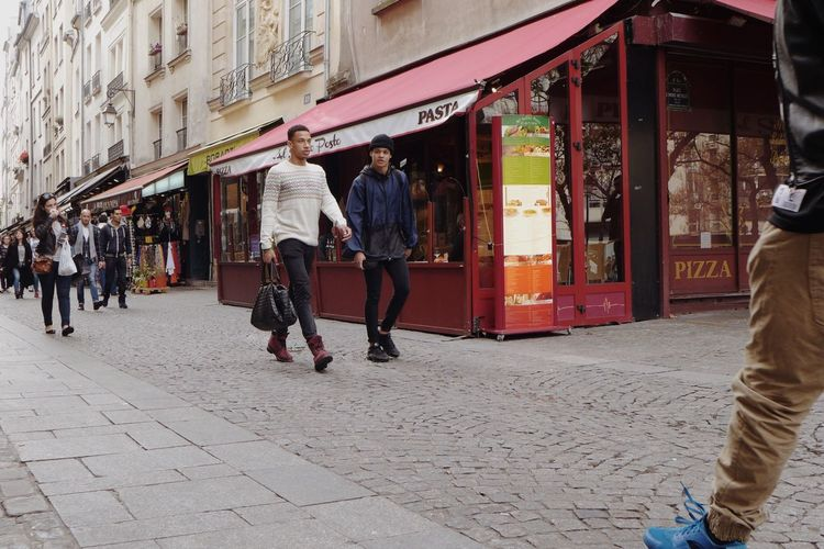 Live Love Shop Paris Colors Street People Shopping ♡ Street Photography Shop Embrace Urban Life מייסטריט מייפריס Adapted To The City