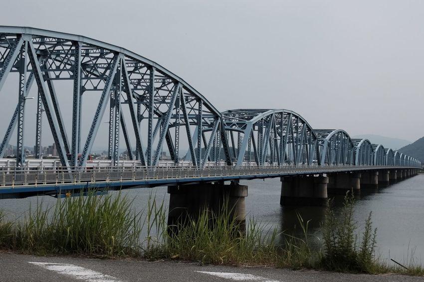 曇ってます。 Bridge - Man Made Structure Sky FujifilmX70