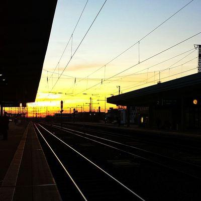 Ruhrpottromantik 💜 Essen Ruhrpott Sonnenuntergang Frühling