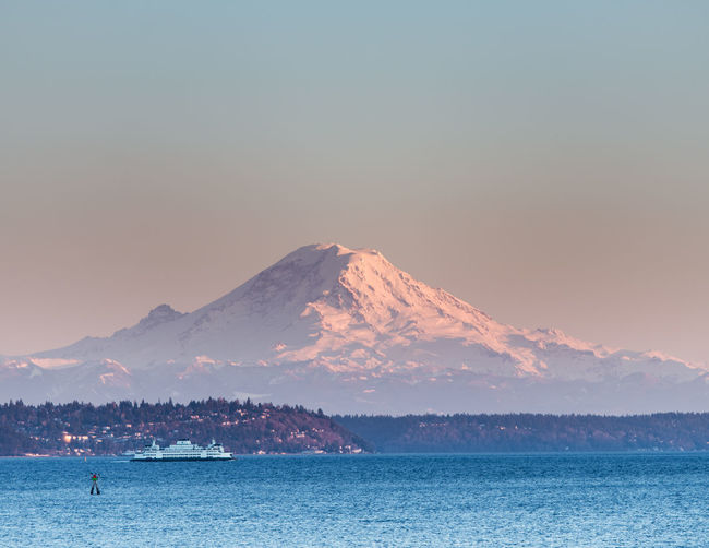 Copy Space EyeEmNewHere Ferry Low Angle View Mount Rainier Pacific Northwest  Puget Sound Seattle Seattle, Washington Backgrounds Beauty In Nature Clear Sky Day Full Frame Lake Mountain Nature No People Outdoors Scenics Sky Sunset Tranquility Tree Water
