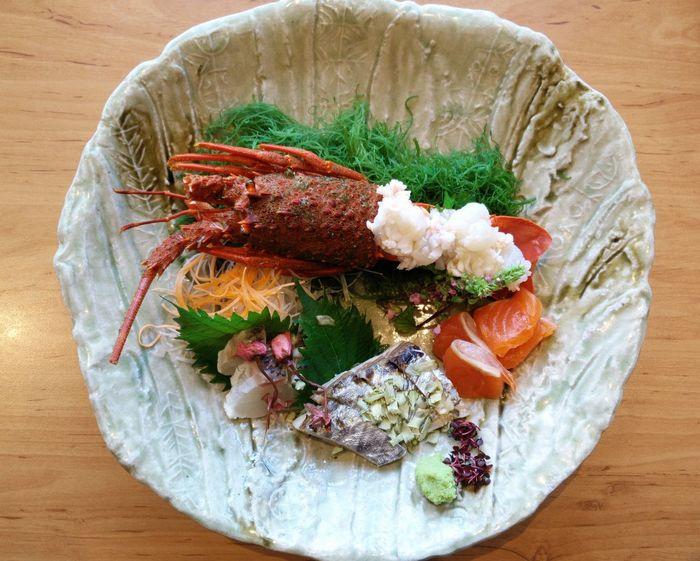 Lobster sashimi & wakame salad ,yum ! Colourful Dinner Dinner Time Food And Drink Japanese Food Lobster SEAFOOD🐡 Vivid Delicious Food Food Lobste Sashimi Sashimi  Wakamesalad Yummy