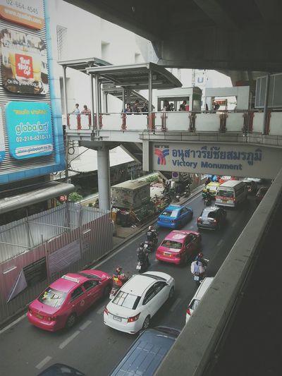 ถ้า traffic ใน blog ได้แบบนี้บ้างก็คงดี 5555 Traffic Trafficjam Road Car Life Citylife
