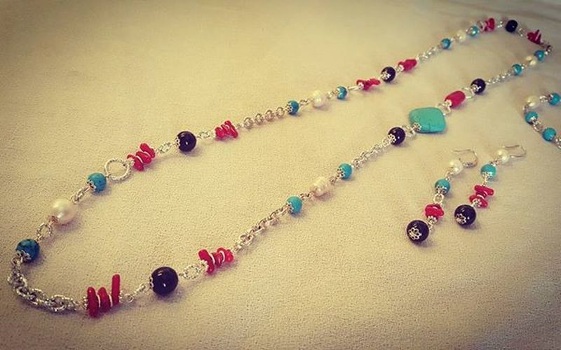 Summer jewelry 😊😊 Summerjewelry Jewelryhomemade Setjewelry Setbigiotteria Bigiotteriaartigianale Bigiotteria Hobby Earringshomemade Necklacehomemade Bracelethomemade Orecchinifattiamano Braccialefattoamano Collanafaidate