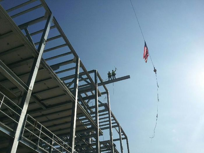 Low Angle View Patriotism Flag Metal Cranes For Construction Iron - Metal Ironworkers Steel Structure  EyeEmNewHere