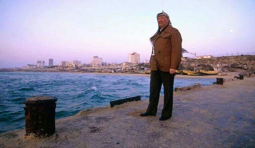 the Leader( yaseer Arafat) in gaza beach 15/5/1995 Popular Photos Gaza My Leader  My President