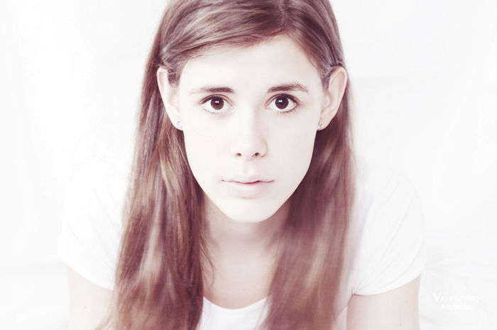 #brown #fashion #girl #longexposure #minimalist #motion #naturalbeauty #nomakeup #onesecondexposure #portrait Close-up Day Headshot Human Body Part Looking At Camera One Person People Portrait White Background