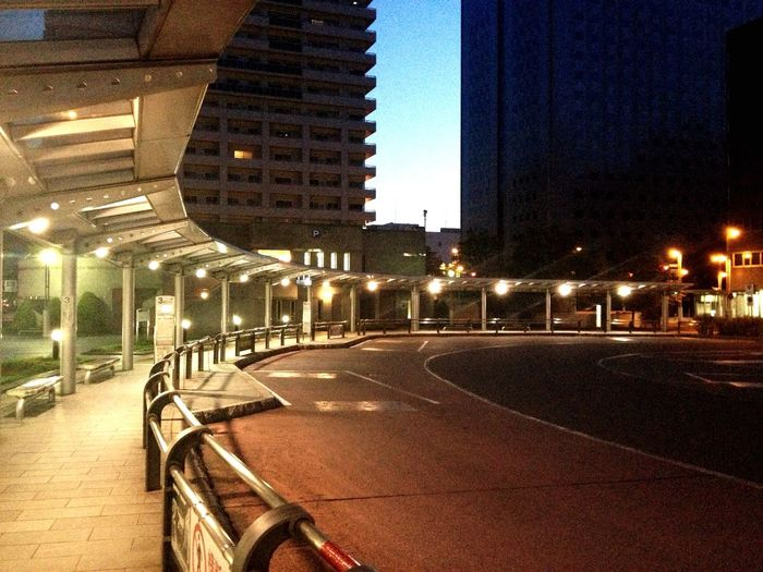 Bus Station I Love My City Learn & Shoot: Leading Lines Urbanphotography Urban Landscape Dawn Breaking Dawn Daybreak Daybreak Embrace Silent My Best Photo 2015 Modern Workplace Culture Stories From The City