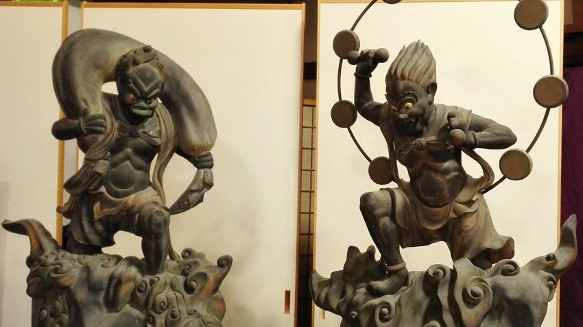 風神 雷神 EyeEm Selects Art And Craft Statue Sculpture History Indoors  Day No People Sky
