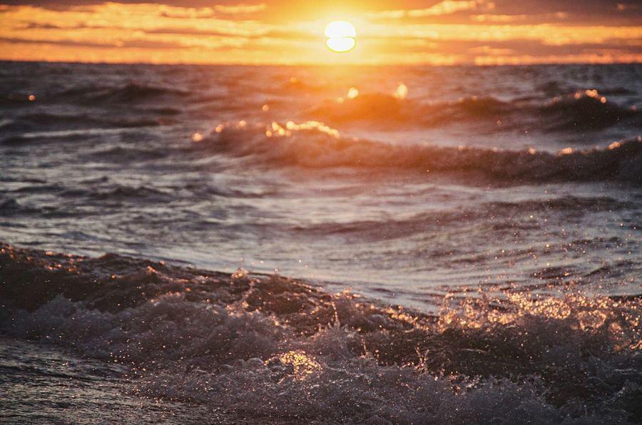 Sunset LakeErie Lake Erie Water Waves Ashtabula County Walnut Beach Ohio Northeast Ohio Ohio Sunset