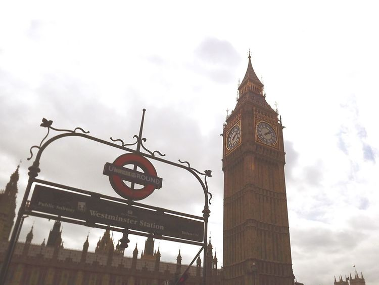 I'm in love with this city. Sky Built Structure Architecture Clock Tower Clock Tower Building Exterior Low Angle View Day Outdoors No People Time Minute Hand London London Lifestyle Big Ben Big Ben, London Underground Subway Subway Station Westminster Grey Sky