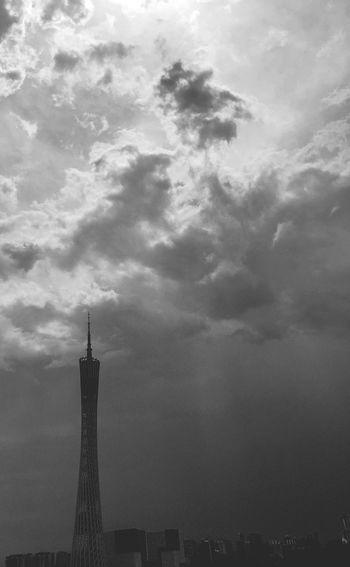 Shades Of Grey EyeEm Nature Lover EyeEm Best Shots Landsape Guangzhou Guangzhou Tower Sky B&w Building