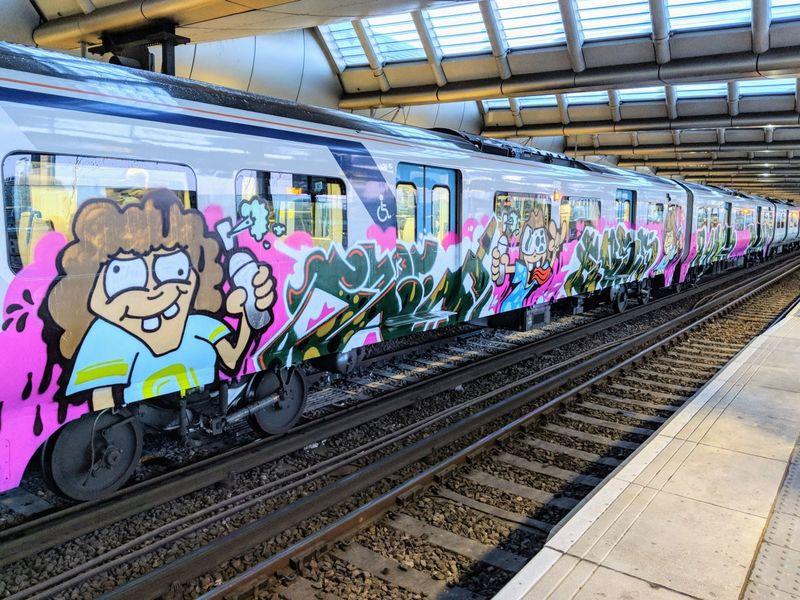 Graffiti on a London train Blackfriars Blackfriars Bridge Thameslinktrains Train Train Station London Train Graffiti Graffititrain Colorful Art