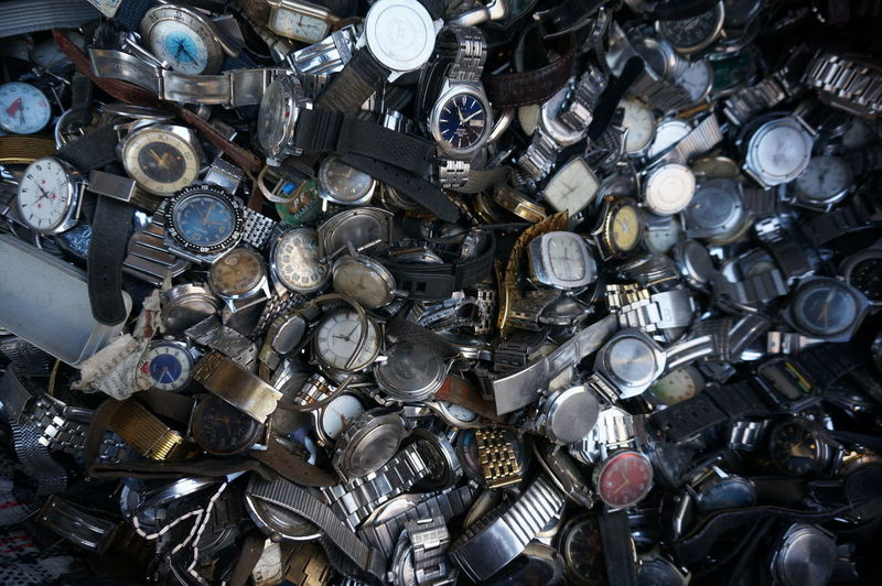 Lot of broken vintage watches Brocken Brocken Watches Clocks Lot Of Watches Vintage Watches Watches Lot Watches⌚️