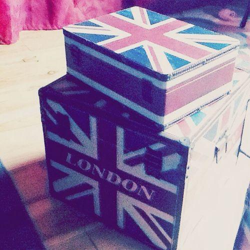 I love london because many family ! J'aime londre parce que j'y est beaucoup de proches Photo Anglais France London LONDON❤ Family❤ Family Nouveau Love Decoration
