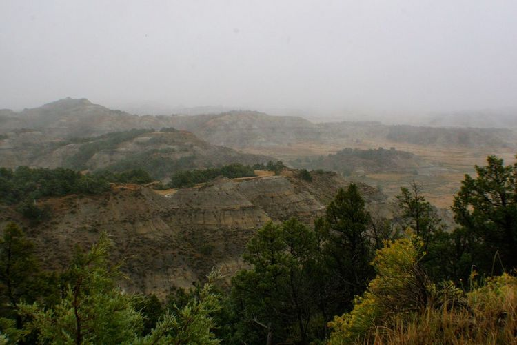Beautiful Theodore Roosevelt National Park Theodore Roosevelt National Park North Dakota Landscape Mountains Valley Badlands