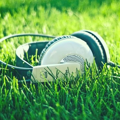 Just listening music Music Heri AHA