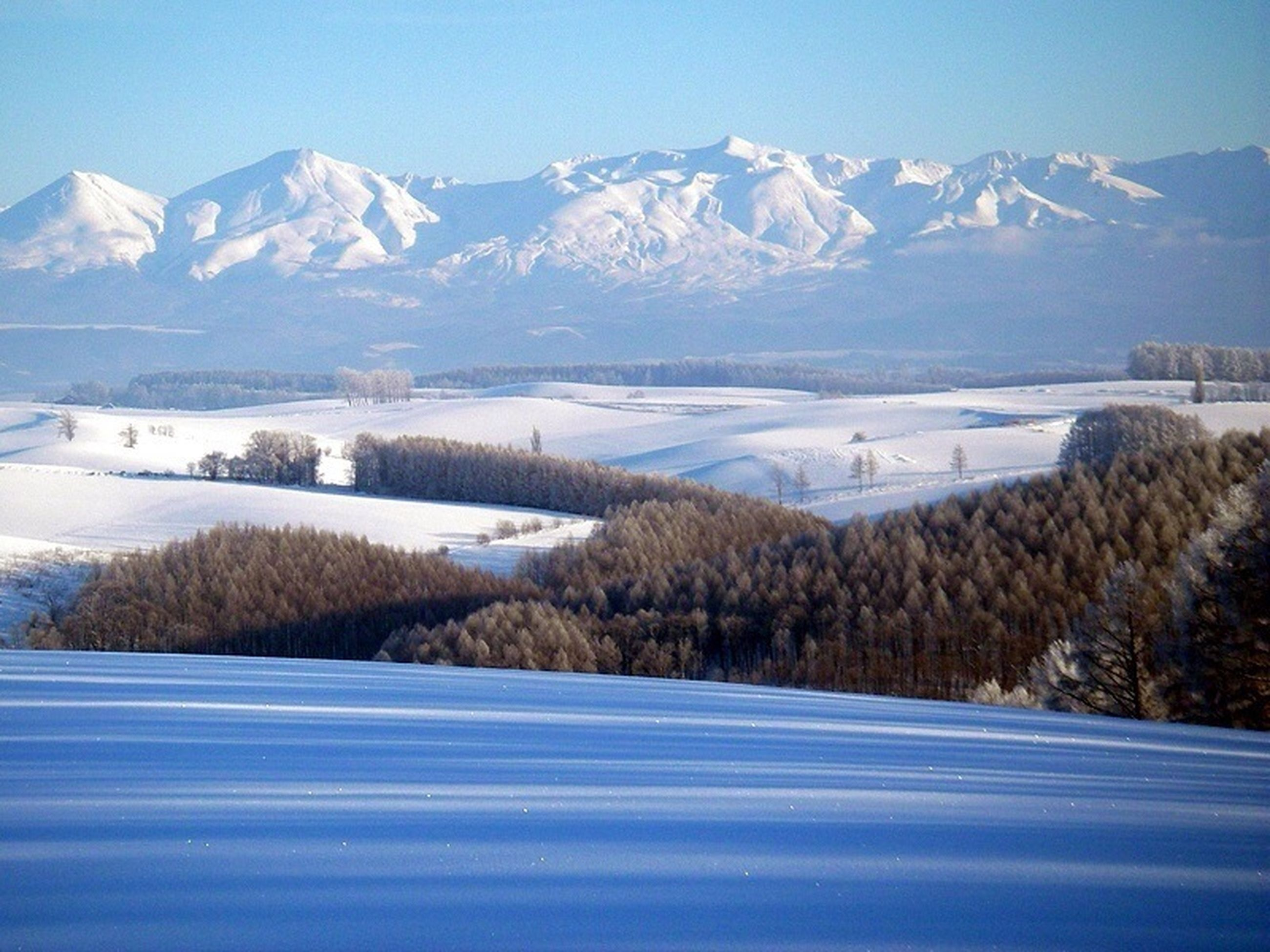 snow, winter, cold temperature, season, mountain, weather, snowcapped mountain, frozen, tranquil scene, covering, tranquility, mountain range, scenics, beauty in nature, landscape, nature, lake, snowcapped, water, white color