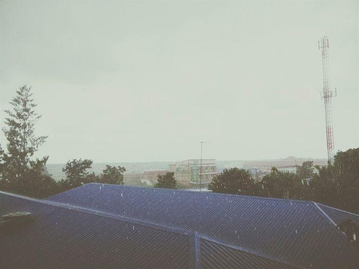 ฝนจ๋าตกทำไม :(