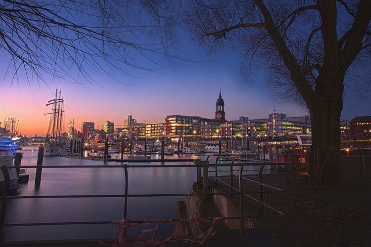 Hamburg - Sehnsuchstbild Architecture Building Exterior City Sky Dusk Built Structure Sunset Illuminated Tree Travel Destinations Outdoors River No People Cityscape Water