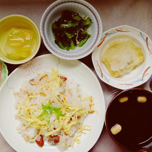 徳島の散らし寿司には煮豆が入ってます。ちなみにボクは煮豆いらない派。 Ready-to-eat Food Vscox XQ1