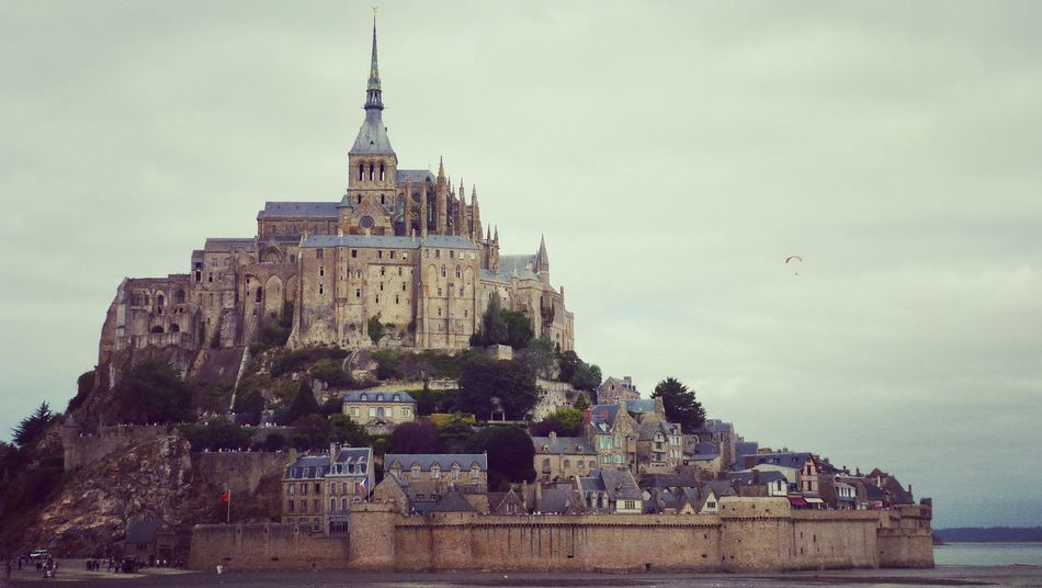 Architecture Built Structure Building Exterior Sky Travel Destinations Cloud - Sky History Tower Church Place Of Worship Famous Place Castle Outdoors Tourism The Past Day France 🇫🇷 Fredoom Bretagne Mount St Michele Sightseeing Clear Sky Nature Adventure Vacations