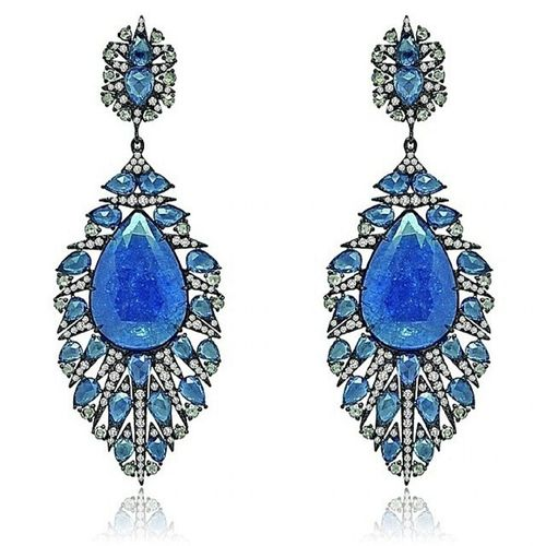 Cizgisine hayran oldugum bir baska Marka Sutra . En sevdigim taslar...💓!Mucevher Safir Pırlanta Love Regram from @sutrajewels Marvelous Monday blues shown in Sapphire & Diamond feathers! Sutrajewels Sutrastyle Feathers Blue Sapphires Diamonds Exquisite Handcrafted FineJewels Highjewellery Hautejoaillierie Joyas Gioiellos Luxury Brand Earrings jewelryblog blogger