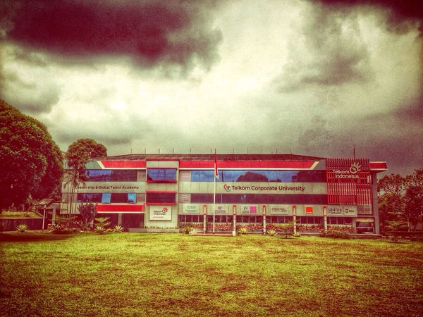 Cloudy is not mean will be rain Hdriphoneography Eye4photography IPhoneography EyeEm Indonesia