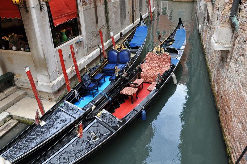 Canal Gondola Gondola Gondola - Traditional Boat Gondole In Venice Italien Italy Mode Of Transport No People Transportation Venedig Venezia Venice