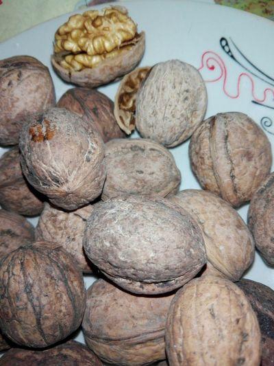 Walnuts Walnut Shells Walnut Heart Nuts WOLFZUACHiV Photography Cucuveaua88 Cucuveaua 88 EyeEmNewHere @cucuveaua88 Calarasi EyeEm Selects Close-up