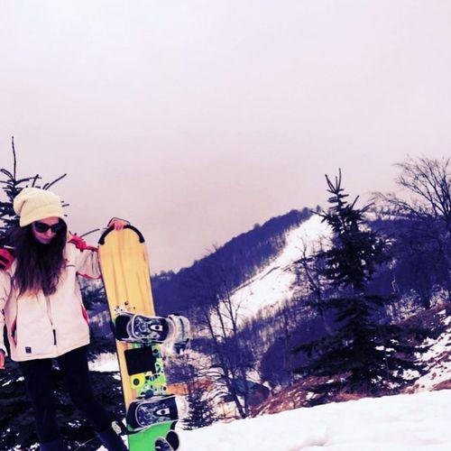 Soldaki ben. 🏂❄👊 boardum cok guzel degil mi ya 😍 Snowboard Ride Landscape Ski Style Colorful Girl Prettywoman Amazing Bestoftheday Look Love Me Photooftheday