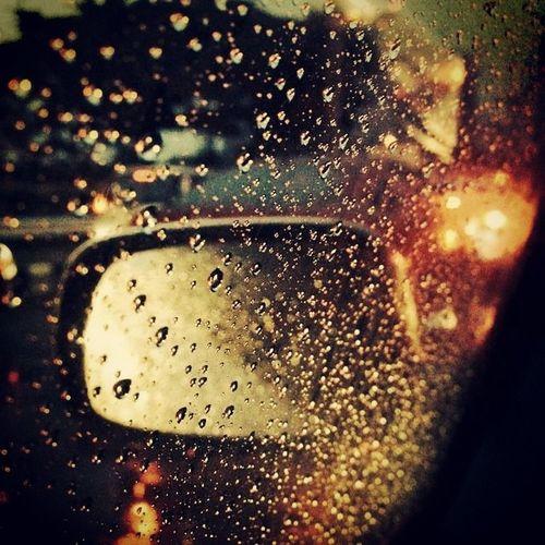 ฝนตกรถติด จะหลับ คิดถึงบ้าน Heavyrain sleepyjambangkoksotired?????