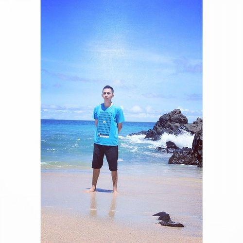 At the Beach..Travelingram Sitoutimoutumoutou INDONESIA Backpackermanado couchsurfing couchsurfingmanado