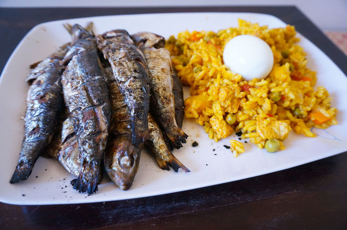 What's next 😋 🍚 🐠 🍴 Sardine Grilled Fish Rice Egg Food Fish Seafood Freshness Food And Drink Healthy Eating Paella Food State Fried Plate Ready To Eat Hungry On The Table Gourmet Sardines Sardines Grillees Foodporn Foodphotography Cuisine Marocaine Moroccan Cuisine Moroccan Kitchen