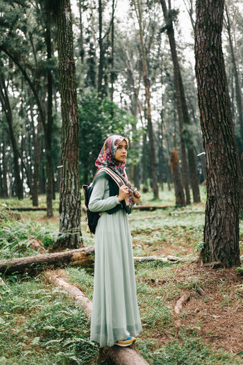 Beautiful traveller women are looking on her ways. Beautiful girl with her bag. Adult Beautiful Nature Beautiful People Beauty Beauty In Nature Fashion Forest Girl Lanscape Leaves Nature Outdoors People Pine Portrait Portrait Of A Woman Smiling Travel Travelling Tree Walking Women Young Women