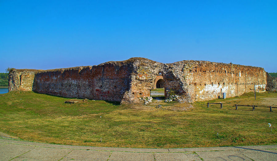 Entrance to Old city fortification in Sabac, Serbia Fortress History Brick Wall Architecture Clear Sky Old Ruin No People Damaged Outdoors
