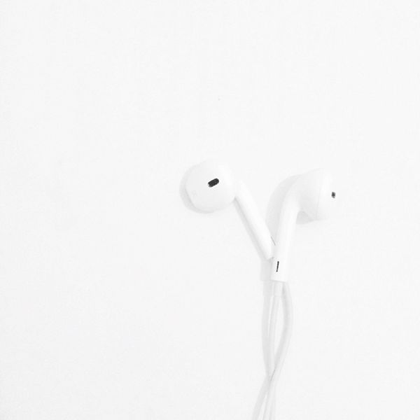 Earpods Earphones Music White Whiteout White On White Blackandwhite Photography Simple Photography IPhone
