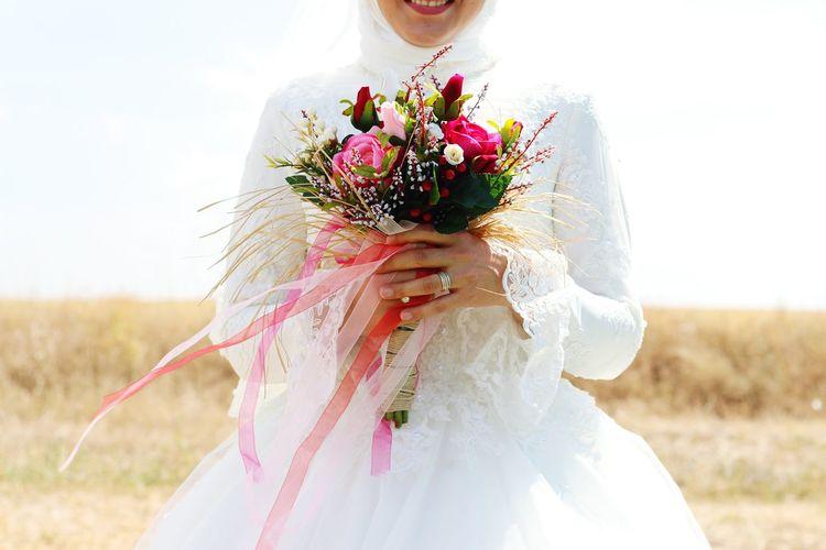 Gelin Çiçeksiz Olmaz...💑 Dugun Dugun Fotoğrafçısı Mutlulukmimari Wedding Photography Wedding Sivas Photography Selective Focus Sivasdugunfotografcisi
