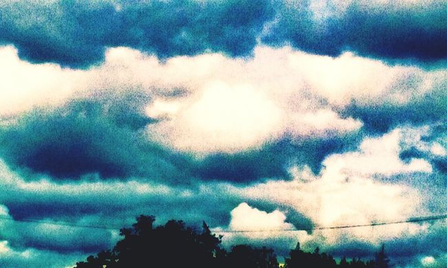 Colour Of Life Clouds And Sky Dramatic Sky Strange Things Strange Clouds Cloudscape Clouds Collection Cloud And Sky Eyemsky Eyemskylovers Atmosphere Cottage Grove, Oregon Strange Skies Rare Weather Phenomenon Sky Cloud Summer2016 Beauty In Nature Summer In The City