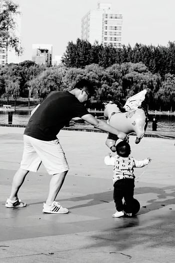 Children Happy People Happy Time Father And Son Father And Son Time People Park Hi! Shanghai Shanghai❤ Shanghailife Shanghai, China Shanghai, China, Chinese, Asia Shanghai Streets Hello World