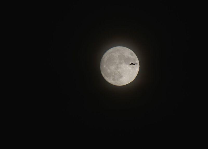 Supermoon Plane Uk Moon Night