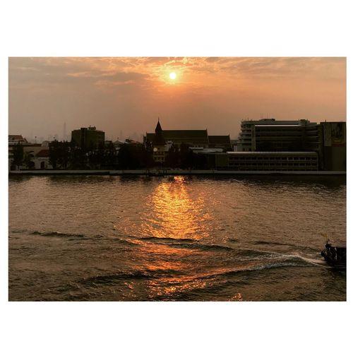 Chaopraya River Bangkok Sunset Architecture Building Exterior Built Structure Sun Water Sky