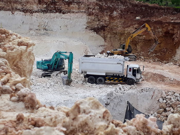 Mining Land Vehicle Sand Industry Transportation Construction Machinery Business Finance And Industry Construction Site No People Day Outdoors Desert Digging Nature Oil Pump
