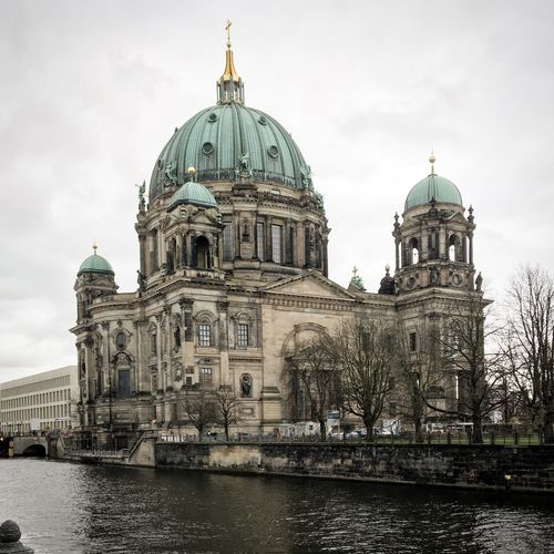 Berlin Impressions Spree Museumsinsel Berlin Mitte Dome Architecture Built Structure Religion Spirituality Building Exterior Place Of Worship Sky Travel Destinations Water Cloud - Sky Day Tourism Outdoors City Travel No People