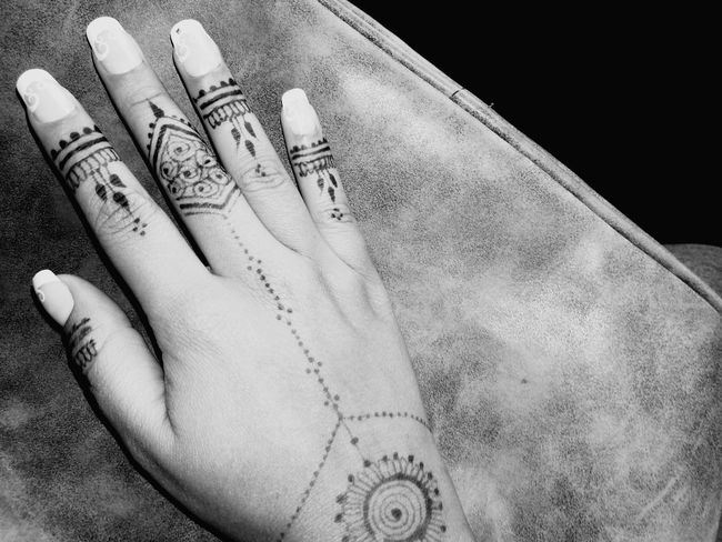Henna Tattoo ❤ Traditions Wedding Nail