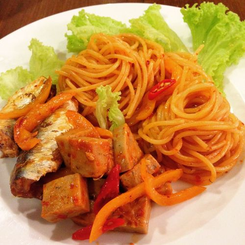 Chinese Takeout Close-up Cooked Fast Food Food Food And Drink Freshness Healthy Eating Indoors  Indulgence Lettuce Meal No People Noodles Plate Ready-to-eat Salad Serving Dish Serving Size Temptation Thai Food Vegetable