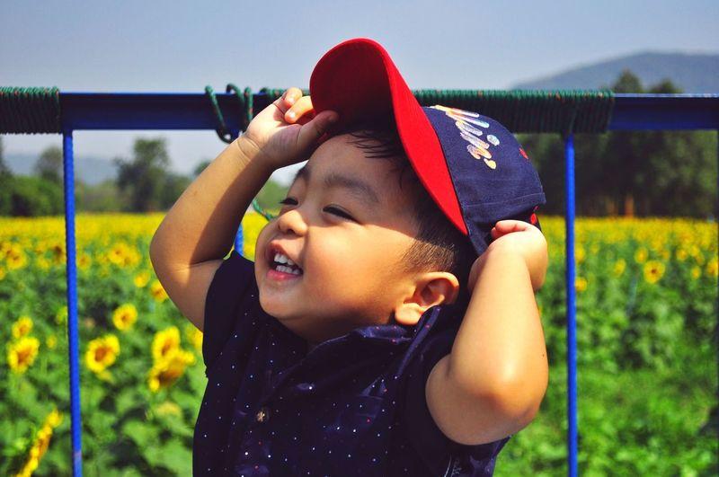 Kids Having Fun Thailand Sunflower Ratchaburi Children Chilling